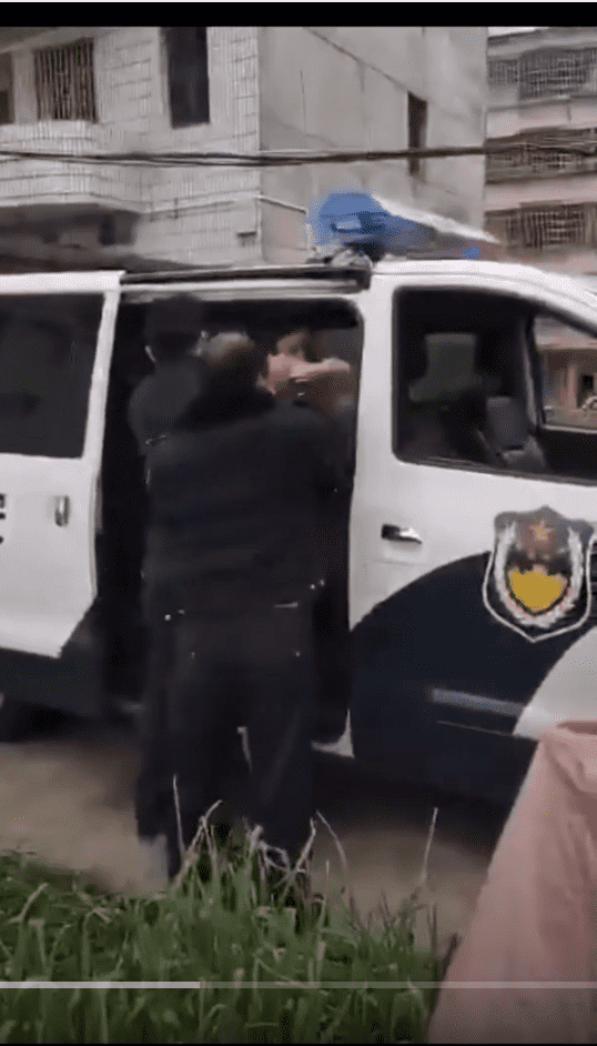 Carro de la policía de China - Video 4