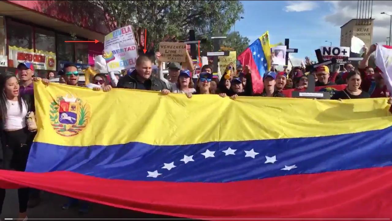Marcha de venezolanos protestando contra Maduro en Bogotá