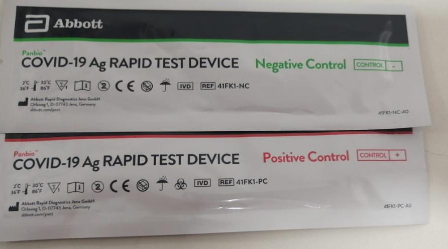 foto hisopos de control test de antígeno PanBio Abott Colombia